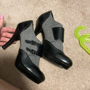 $5 ADD ON Black & Grey Heeled Booties